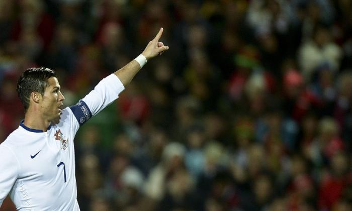 """""""他是一个外星人"""" - 粉丝对葡萄牙巨星克里斯蒂亚诺罗纳尔多的另一个帽子伎俩作出反应"""