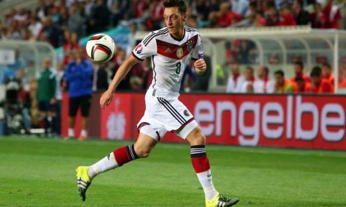 视频:阿森纳明星Mesut Ozil抓住德国的三次助攻2016年欧元预选赛对抗直布罗陀
