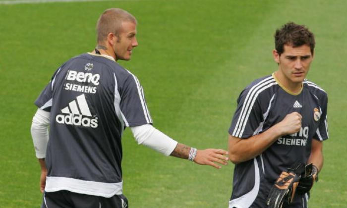 波尔图标志Casillas和Beckham,Bale和更皇家马德里过去和现在的球员致敬