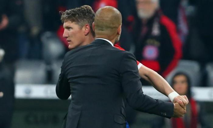 Pep Guardiona为Peronged Bayern Munich留在Bastian Schweinsteiger出口后,Talksport告诉