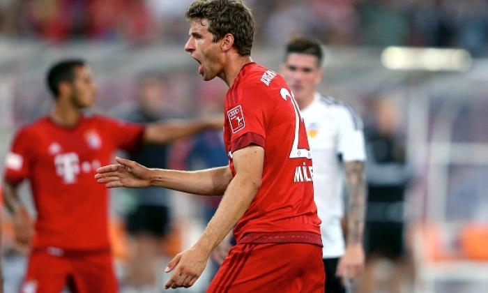 观看拜仁慕尼黑在赛季托马斯·穆勒分数两次的瓦伦西亚的目标