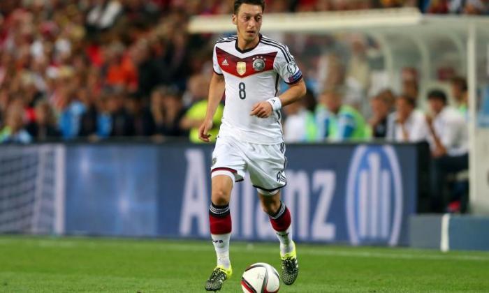 冲击阿森纳报告!Juventus将Mesut Ozil绑定为Paul Pogba或Arturo Vidal的替代品