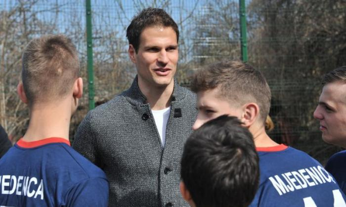 切尔西标志斯托克城守门员Asmir Begovic