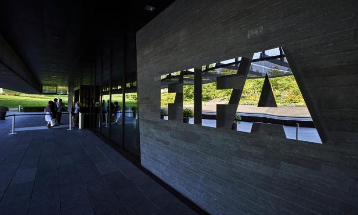 FIFA赞助科科尔卡州和麦当劳的摩托车的需求改革世界足球的管理机构
