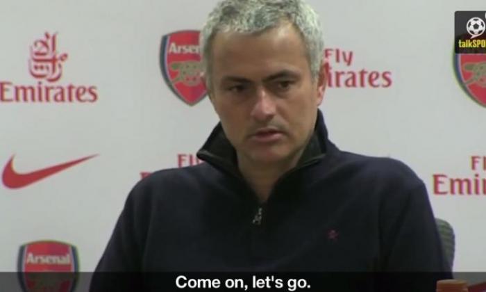 Jose Mourinho Rap  - '切尔西粉丝远非梦幻般,有些很好,但有些是塑料'