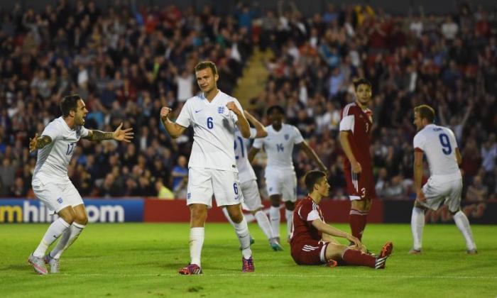 英格兰121岁以下21岁以下21岁以下:年轻的狮子热身为欧元的额定胜利