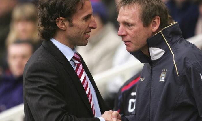 独家 -  FA'Groving'Gareth Southgate为英格兰最佳工作,据称Stuart Pearce