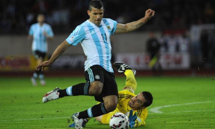 视频:Sergio Aguero和Lionel Messi评分,但阿根廷用巴拉圭绘制了Copa America Opener