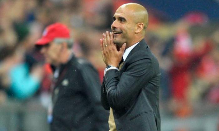 Pep Guardiola Storms出来的拜仁慕尼黑新闻发布会关于英格兰链接后