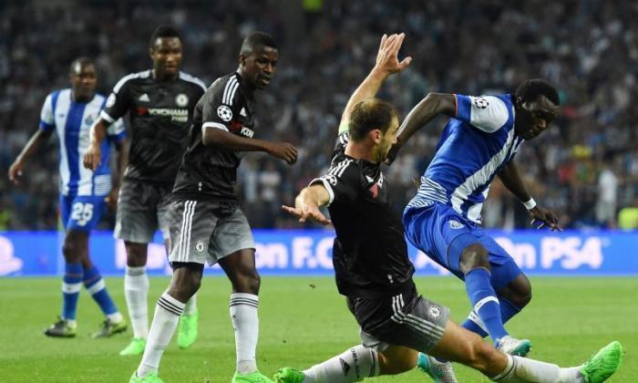 '错位通过:10,裸体送到勒索何塞:17' - 切尔西球迷猛击布拉兰斯拉夫伊万诺维奇在波尔图失败之后