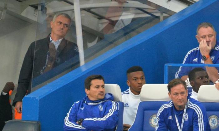 切尔西经理Jose Mourinho在南安普敦爆发后收取了不当行为