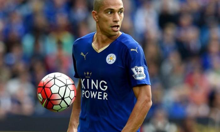 Remi Garde确认Leicester Midfielder Gokhan Inler正在阿斯顿别墅的雷达上