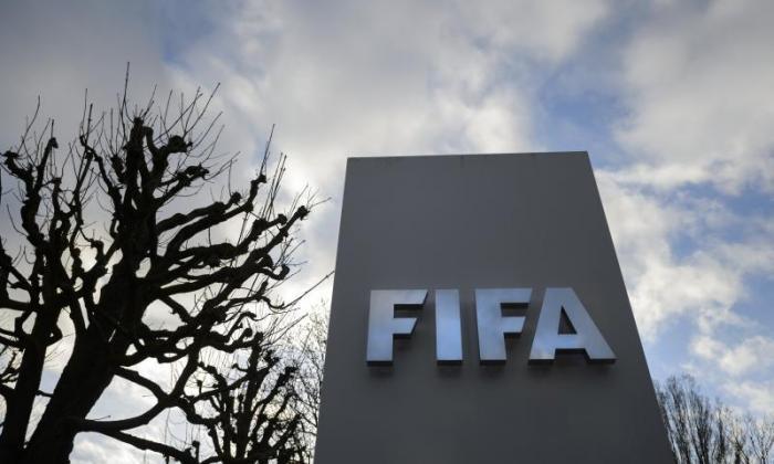 广播公司邀请FIFA总统候选人到一个现场电视辩论