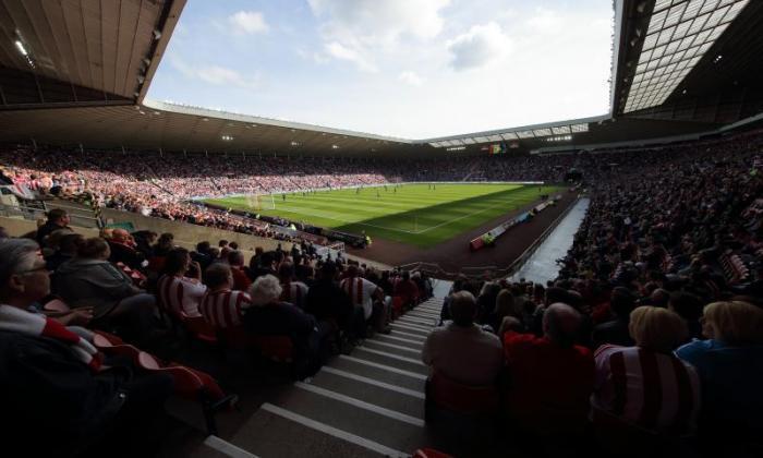 Sunderland V纽卡斯尔联合现场直播首页举行的谈话运动员在2015年10月25日星期日Talksport上
