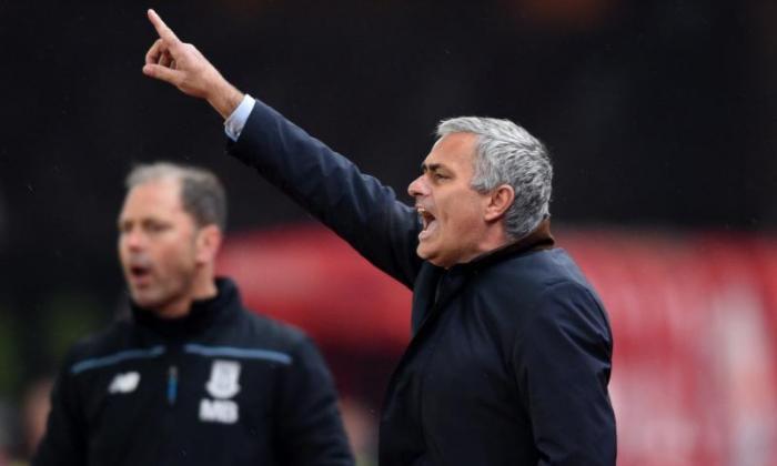 "Jose Mourinho击中了""失去的梳妆台""声明,并坚持杯子震惊的球员'尝试了一切'"