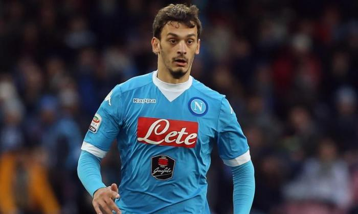 纽卡斯尔联合和斯旺西市监测Napoli Forward Manolo Gabbiadini