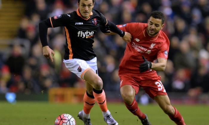 利物浦大开关凯文·斯图尔特接近,从踝关节伤害卷土