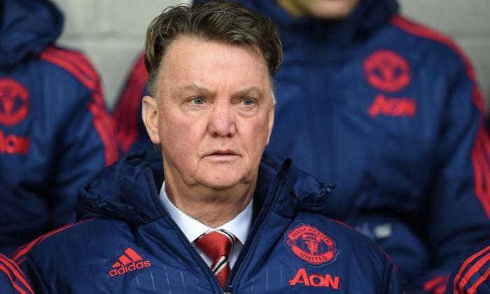 曼彻斯特联队新闻:无论前四个结束 - 风扇反应,Van Gaal都在下赛季保持经理