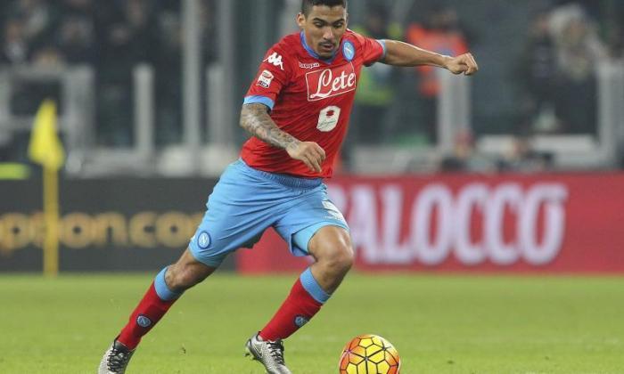 Napoli Star Allan可以搬到英格兰,承认代理商,作为Chelsea与夏季猛扑相关联